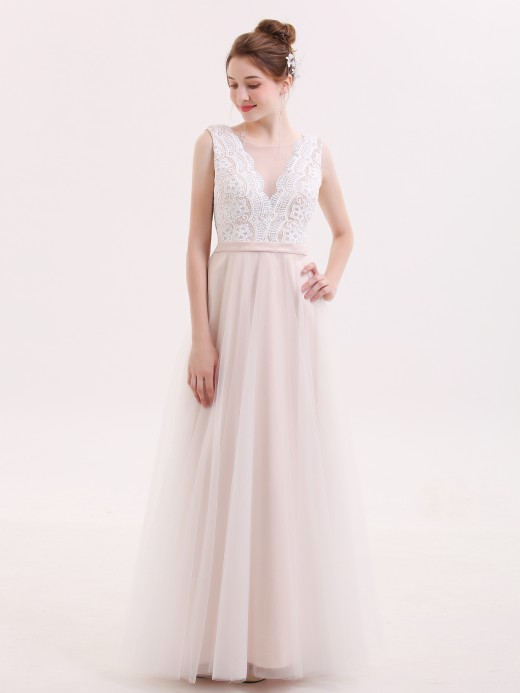 Babaroni Ainsley V neck Lace Bodice Long Dress with Tulle Skirt