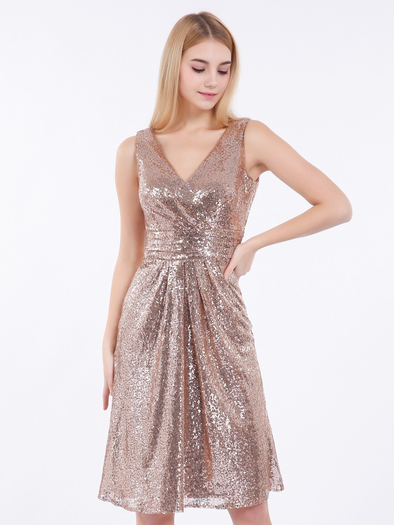 Sheath/Column Sequin Metallic Gold Zipper  Knee-length V-neck Sleeveless Short Prom Dresses