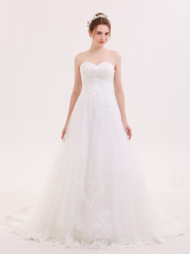 A-line Tulle Ivory Lace-up Appliqued, Beaded Chapel train Sweetheart Sleeveless Wedding Dresses